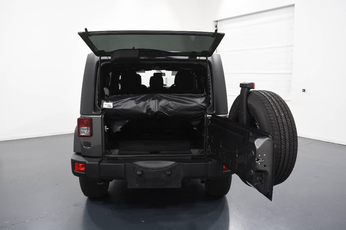Jeep Wrangler Unlimited Overland (4x4)