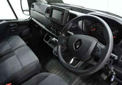 Renault Master Pro Low Roof Swb Amt