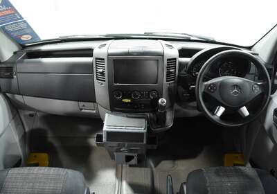 Mercedes-Benz Sprinter 319CDi Low Roof MWB 7G-Tronic